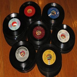Bulk 45s - 200 - 200 Bulk 45rpm records--variety of eras and directions--mostly in good to excellent condition-many recognizable titles--ranging from 1950s to 1990s, no paper sleeves - G4-to-M10/ - Bulk Vinyl 45rpm Records