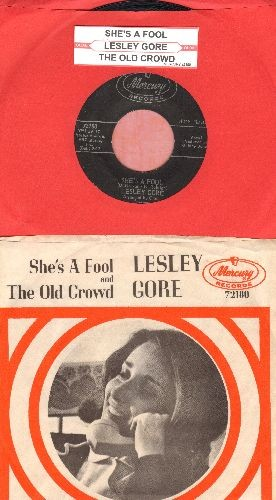 Gore, Lesley - She's A Fool/The Old Crowd (with picture sleeve and juke box label) - EX8/NM9 - 45 rpm Records
