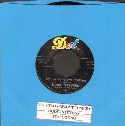 Stevens, Dodie - Yes, I'm Lonesome Tonight/Too Young (with juke box label) - NM9/ - 45 rpm Records